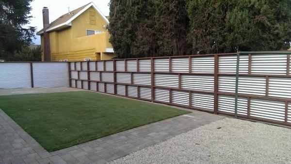 Modern Zincalum Fence