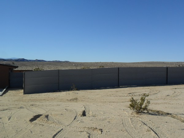 Weathering Alternating Fence 29 Palms